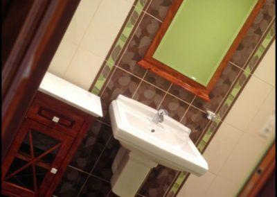 au-copeau-debene-braine-petit-meuble-salle-de-bain-et-miroir