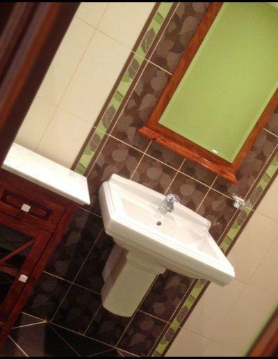 au-copeau-debene-ebeniste-aisne-ensemble-petit meuble salle de bain et miroir